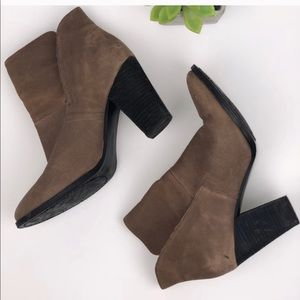 Vince Camuto Sz 9 leather booties